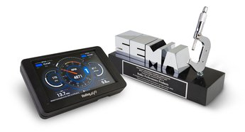 news_SEMA_award2015_dash.jpg
